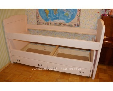 Детская кровать из массива модель 2908