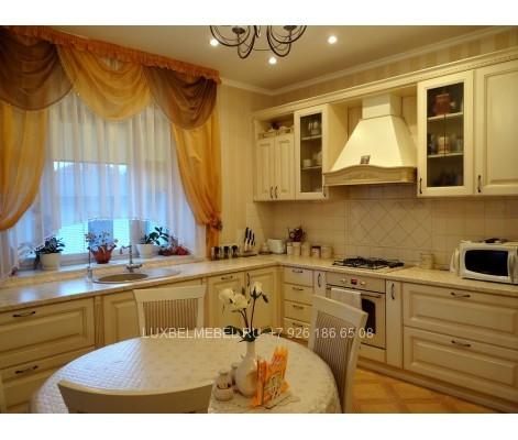 Угловая кухня из массива модель 013 в Москве