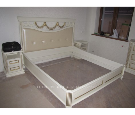 Кровать из массива 1375
