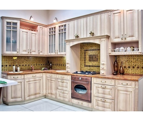 Кухня угловая классика МДФ ПВХ Груша аскона, патина золото